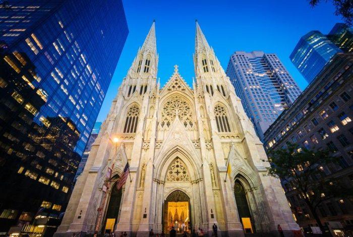 Homem é preso em Nova Iorque suspeito de tentar incendiar a Catedral de Saint Patrick
