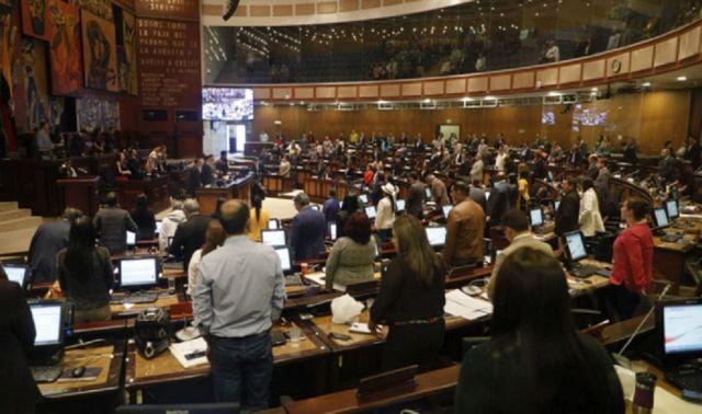 Assembleia Nacional do Equador aprova Lei contra a Família
