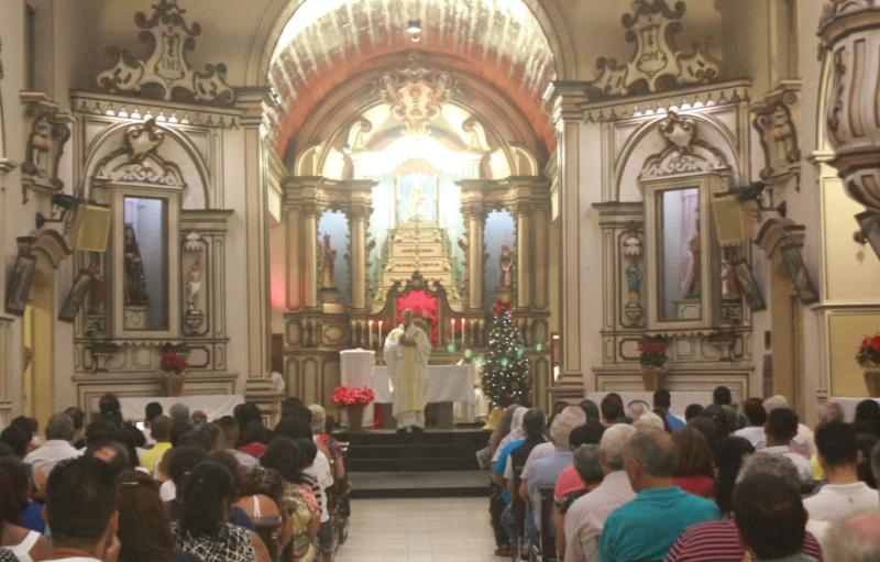 É urgente regressar à normalidade da vida cristã, que tem o edifício da Igreja como casa e a celebração da Eucaristia como meta para a qual se encaminha a ação da Igreja.