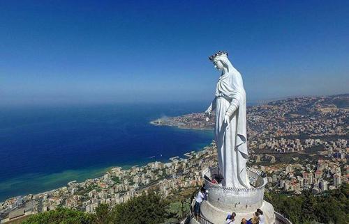 Confiando na Palavra do Senhor que convida à esperança, Secretário de Estado afirma que Líbano não está sozinho e que Beirute ressurgirá das cinzas.