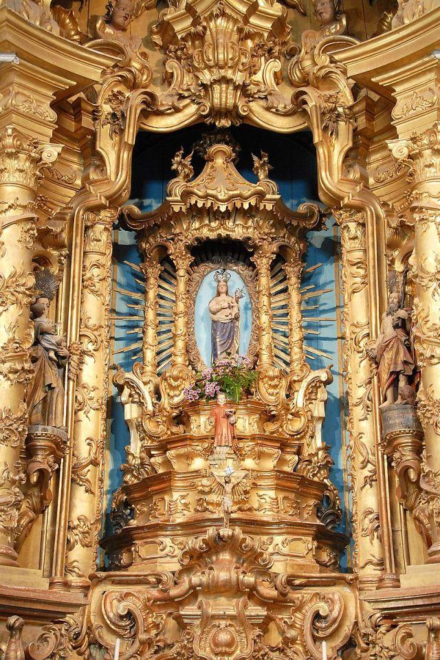 Os tempos que virão vão ser difíceis e recomendo-vos estarem atentos e vigiar, rezai e ensinai a rezar, enchei o tempo com paz, com oração, com Deus, com Maria.
