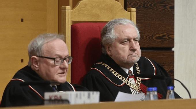 Tribunal Polonês proíbe aborto por Má-formação do Feto: isso seria uma forma de eugenia incompatível com o Direito à Vida. Ninguém de boa consciência nega a outro o direito à vida por causa de sua doença.