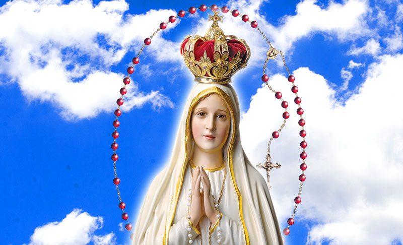 Santo Rosário e Nossa Senhora de Fátima são tão íntimos que milhares de católicos por todo o mundo praticam a eficaz devoção a Nossa Senhora do Rosário de Fátima.