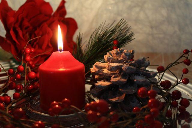 Advento! O Natal se aproxima é o maior acontecimento da História: o Verbo se fez carne e habitou entre nós. Esperemos Jesus que vem no Natal e que vem no final dos tempos.