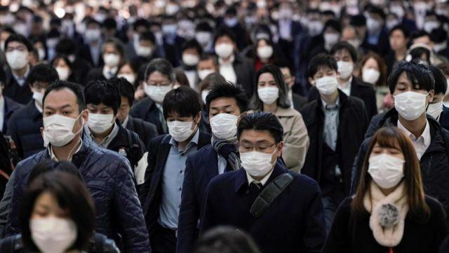 Em outubro houve 2.153 suicídios no Japão enquanto o número de mortes por coronavirus, desde o início da pandemia, é de exatamente 2.109 óbitos.