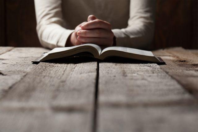 Em suas intenções de orações para dezembro, Francisco sublinha que nutrimos nosso relacionamento com Jesus Cristo por meio da vida de oração.
