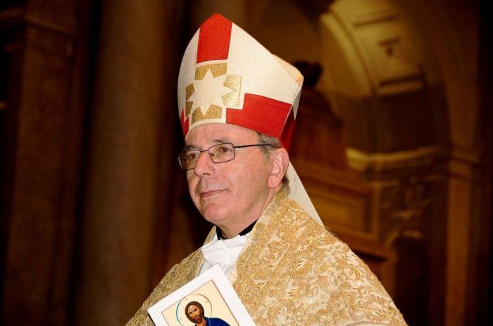 Cardeal-patriarca deixa mensagem de solidariedade a quem está na «primeira linha» do combate à pandemia.