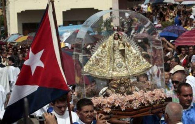 """Viver na verdade, nos torna livres; viver na mentira é viver acorrentado: """"é tempo, como povo, de regressar a Deus"""": diz carta dos cubanos."""