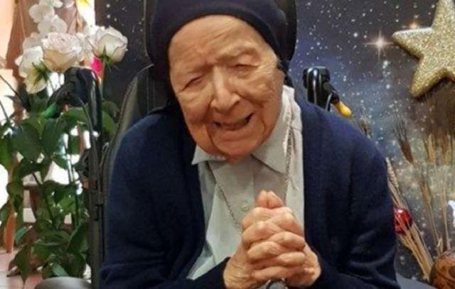 Às vésperas de completar 117 anos, uma freira francesa reconhecida como a pessoa mais velha da Europa está curada da Covid-19.