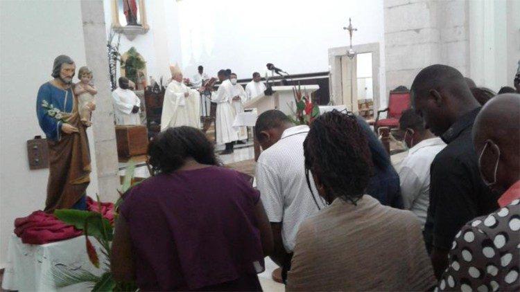 """""""Queremos que os fiéis saibam bem quem é São José, que o imitem e que tomem o exemplo de sua vida"""", disse o coordenador pastoral da Diocese de Ngong."""