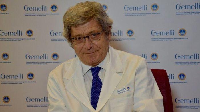 Professor Roberto Bernabei, 69 anos, foi nomeado médico pessoal do Papa Francisco substituto o recentemente falecido professor Fabrizio Soccorsi.