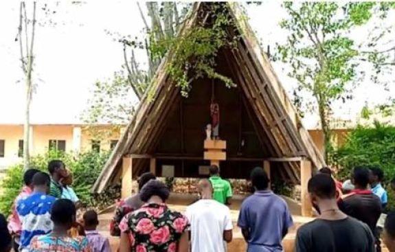 Há 160 anos houve um projeto para a Igreja Católica criar uma presença de missionários no Benin que já era frequentada por europeus escravagistas.