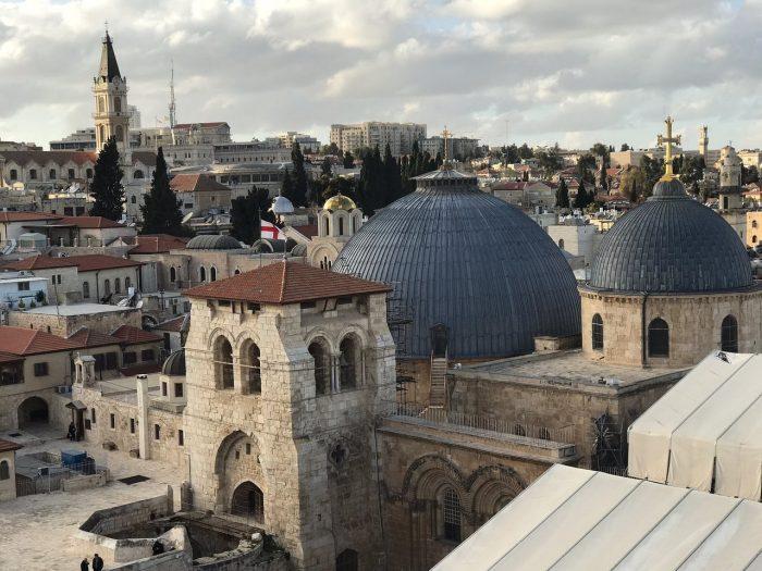 Comunicado dos responsáveis pelas três Igrejas que administram a Basílica explica motivos da medida adotada.